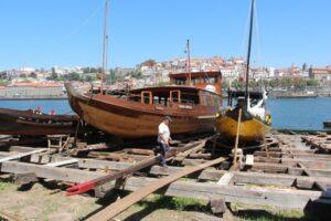 Loděnice tradičních lodí barcos rabelos - Porto